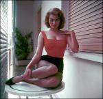 [Picture of a young Sophia Loren with small waist]