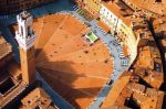 [Picture of aerial view of Piazza Del Campo, Siena, Tuscany]